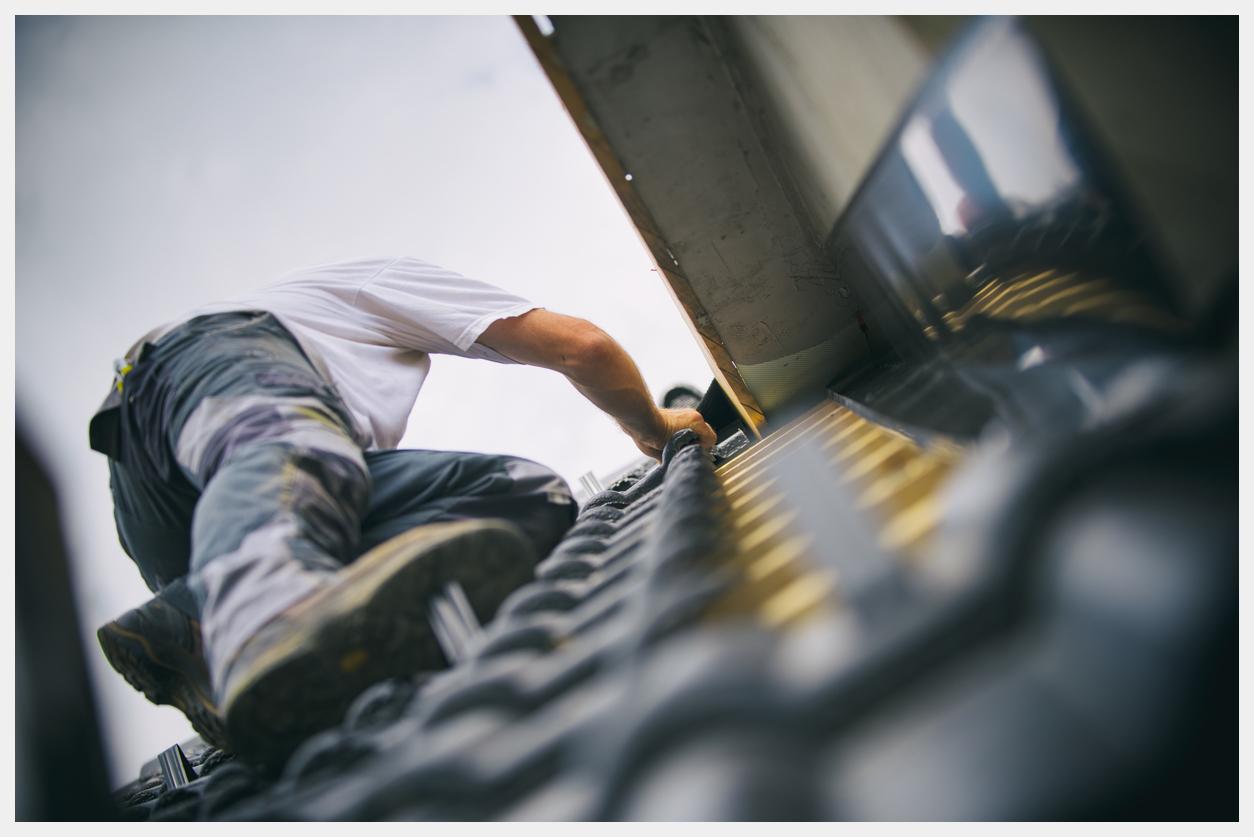 roof repairs swindon
